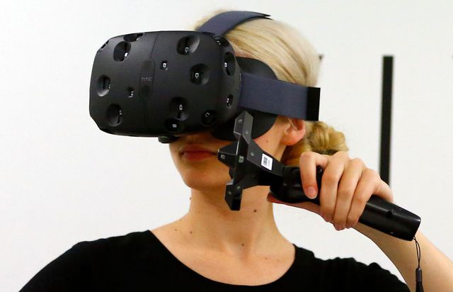 HTC Vive now available at lesser price in UAE, what is HTC Vive?