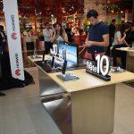 'Huawei Experience Store' in Dubai Mall 01