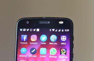 Motorola Z2 force - front display - Top panel