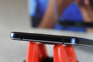 Nokia7.1-Top_3.5mm_Headphone_jack