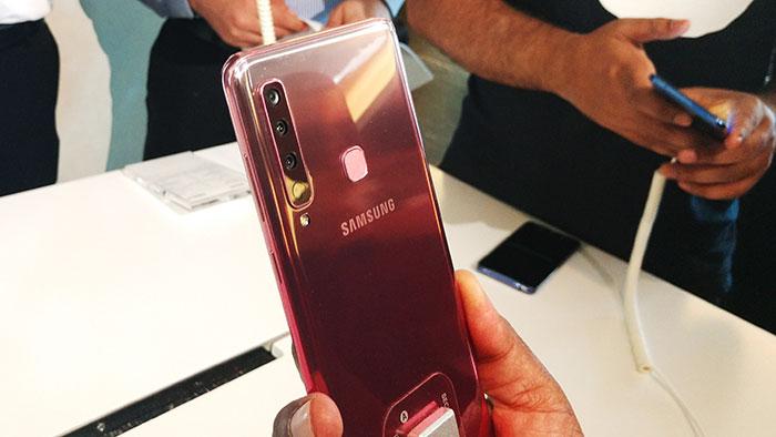 Samsung_Galaxy_A9_with_Quad_cameras