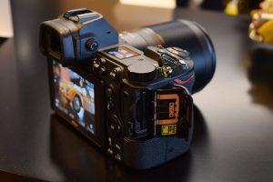 Nikon-Z6_Mirrorless_Camera_uses_XQD_memory_cards