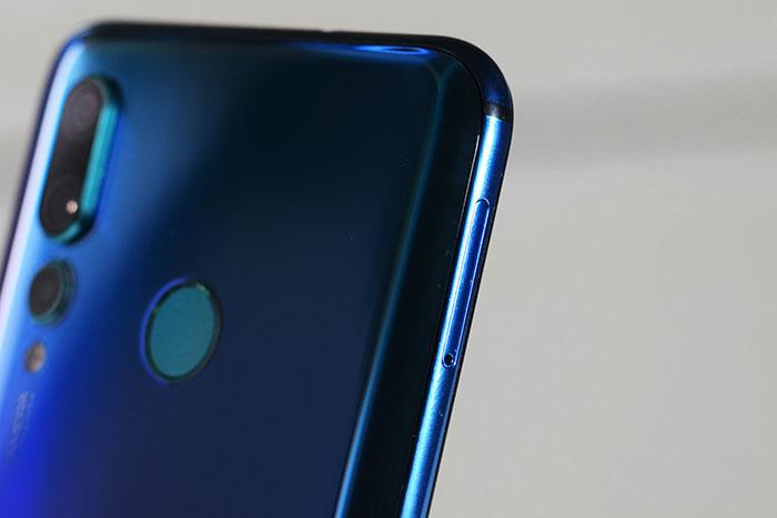 Huawei-Nova-4-Dual_SIM_TRAY