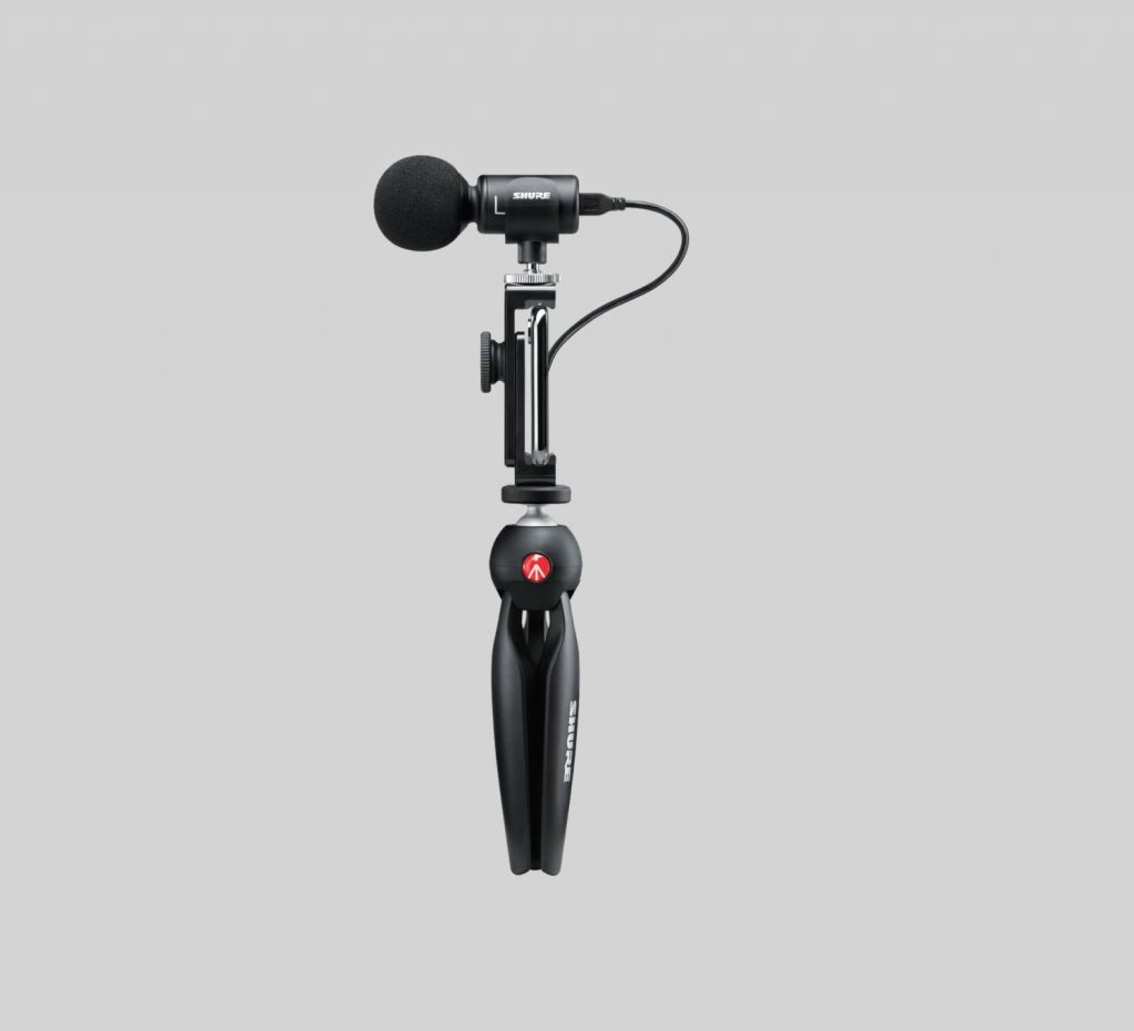 MV88+ Video Kit mic in handheld position