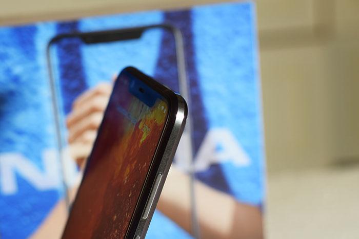 Nokia-8.1_Diamond_cut-Side-Metal_Frame