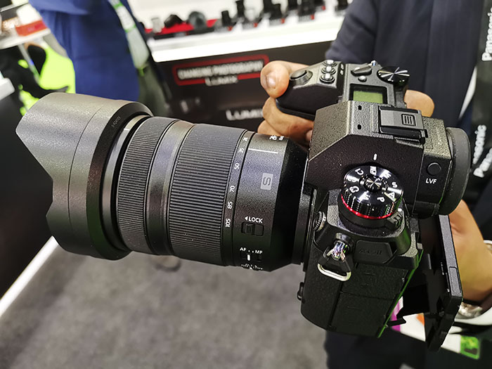 Panasonic_Lumix-S1R_&_S1_uses_with_L_Mount_lenses