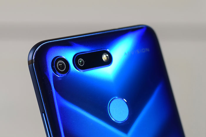 HONOR_View20-Triple-Cameras