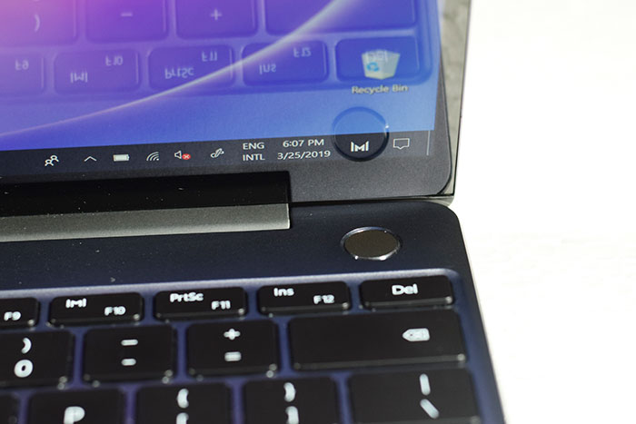 Huawei_MateBook_13-Power-Button