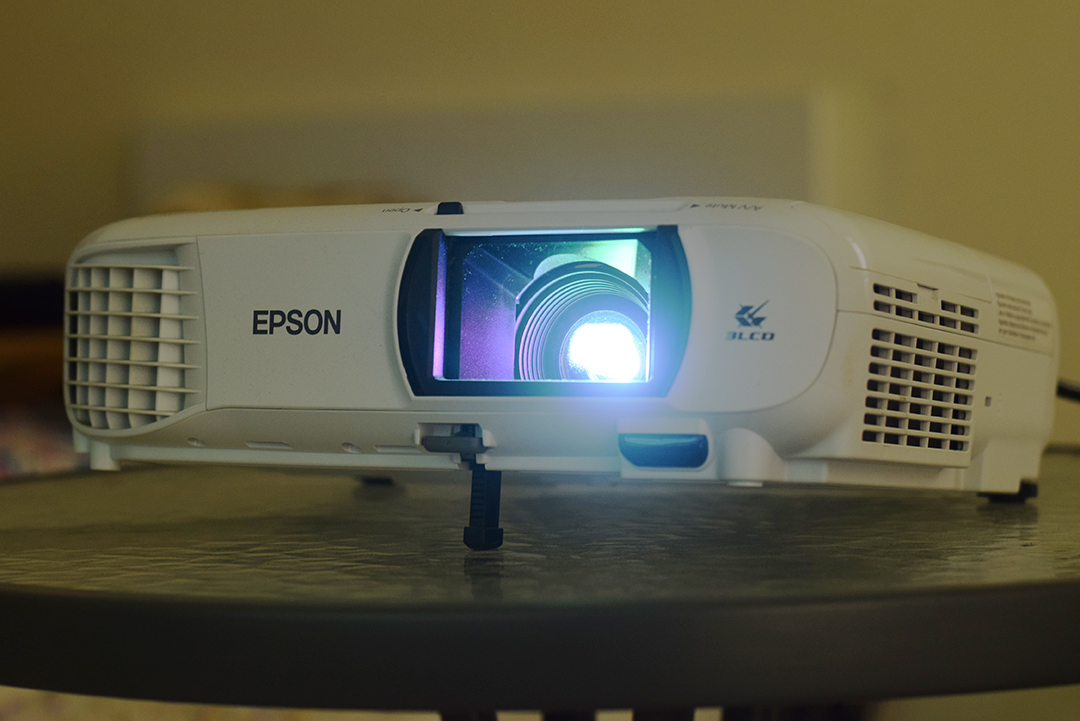 Epson-EH-TW610-Projector