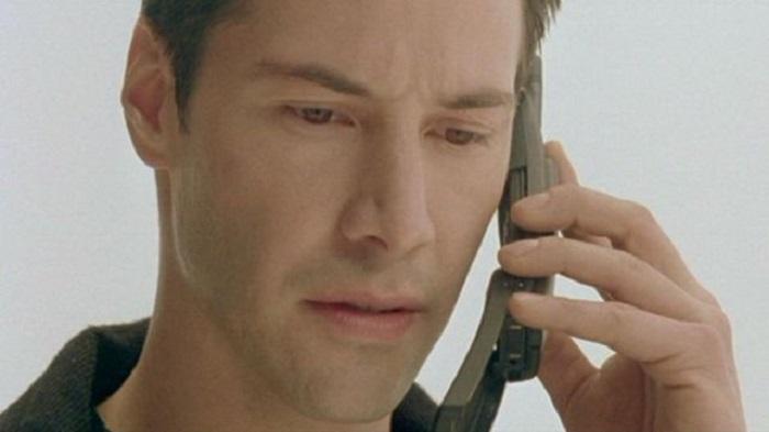 The Matrix_movie-1999 - Keanu Reeves using the Nokia 8110
