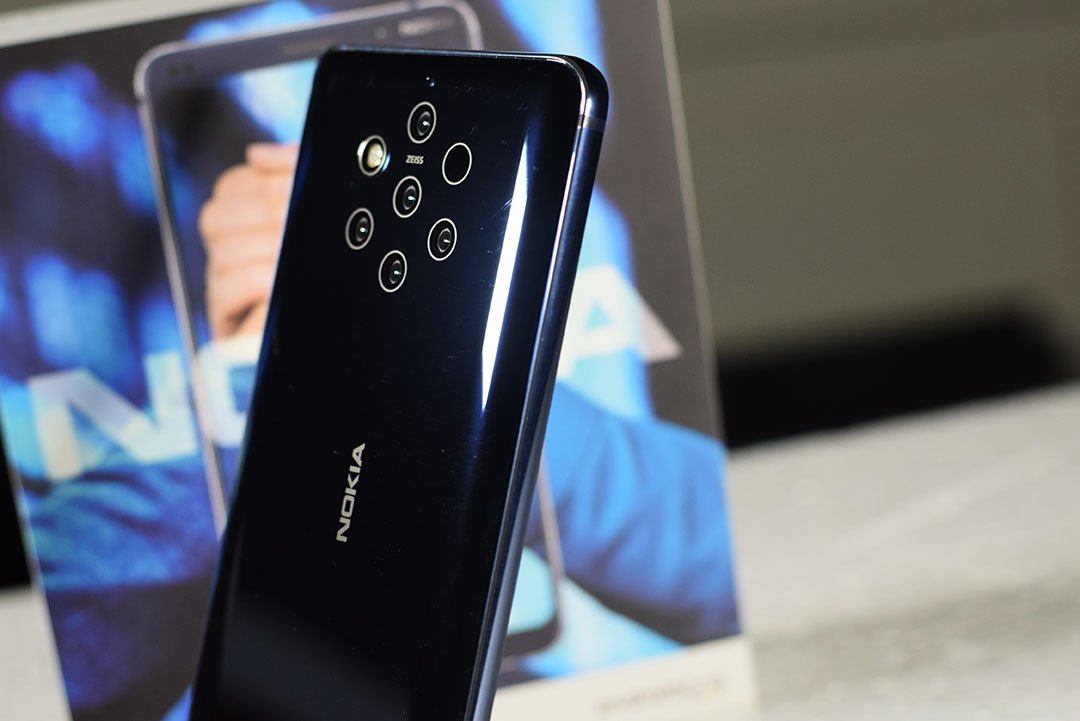 Nokia9-PureView-Left-Side
