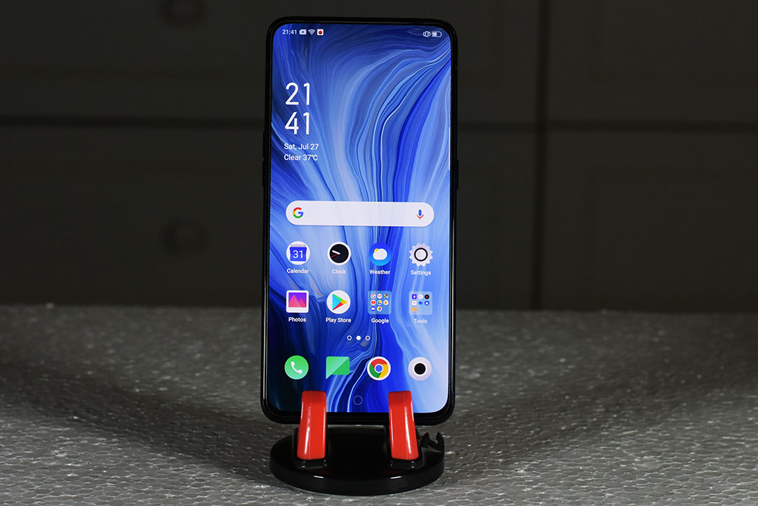 Oppo_Reno_10x_Zoom_smartphone-Notchless-Full_Screen_Display