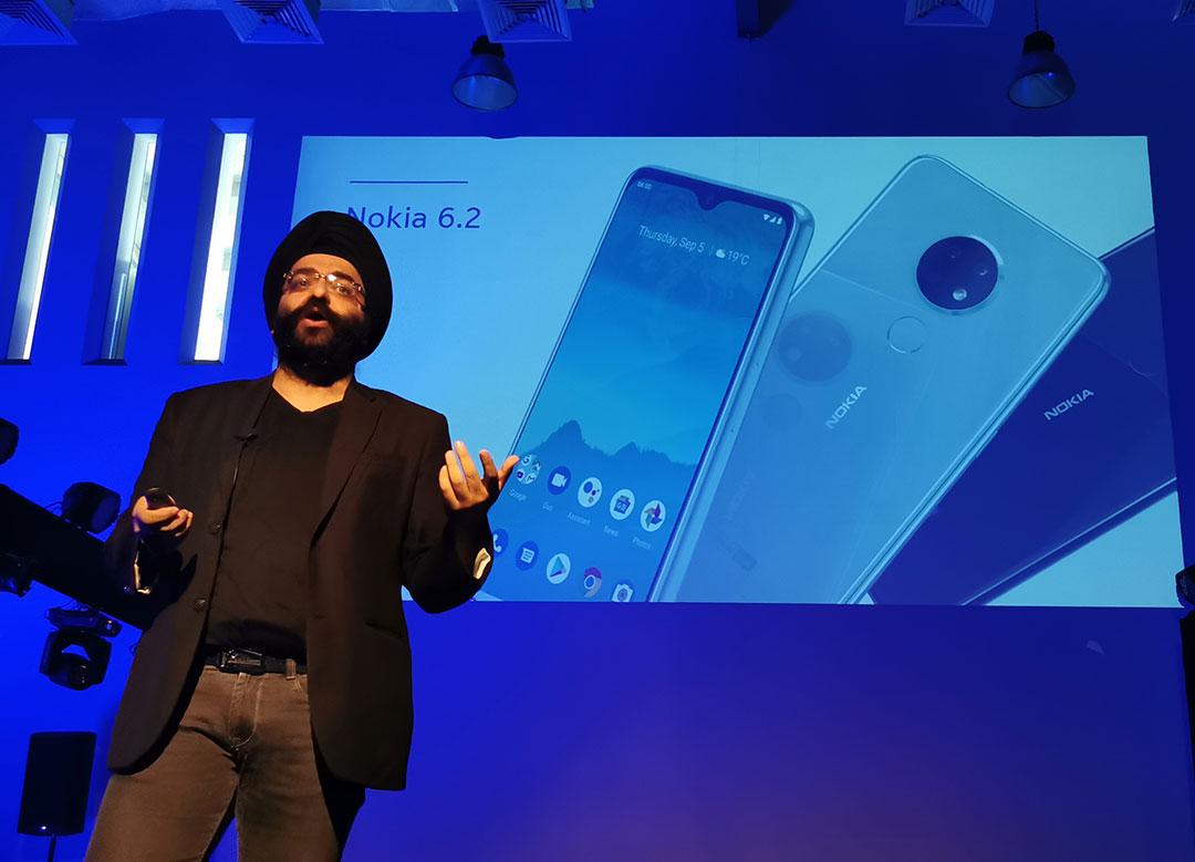 Sanmeet-Singh-Kochhar--talking-about-Nokia-6.2-Smartphone