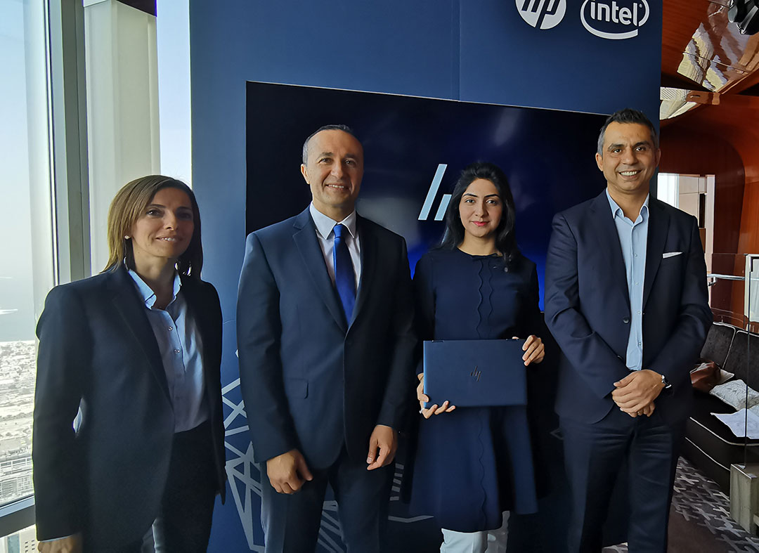 The-Team-at-the-launch-of-HP-Elite-DragonFly_laptop