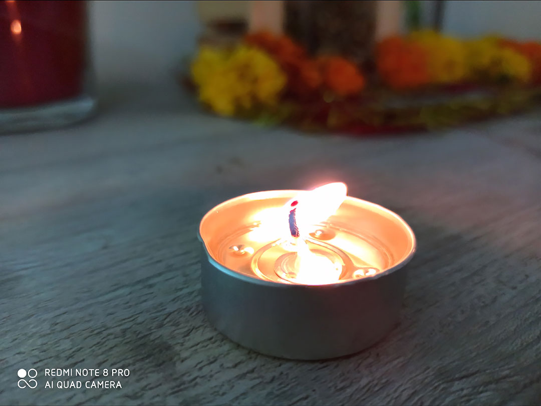 RedMiNote8Pro-Camera-Candle-in-the-House