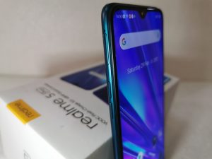 Realme5Pro - Left side-VolRockers&SIMTray