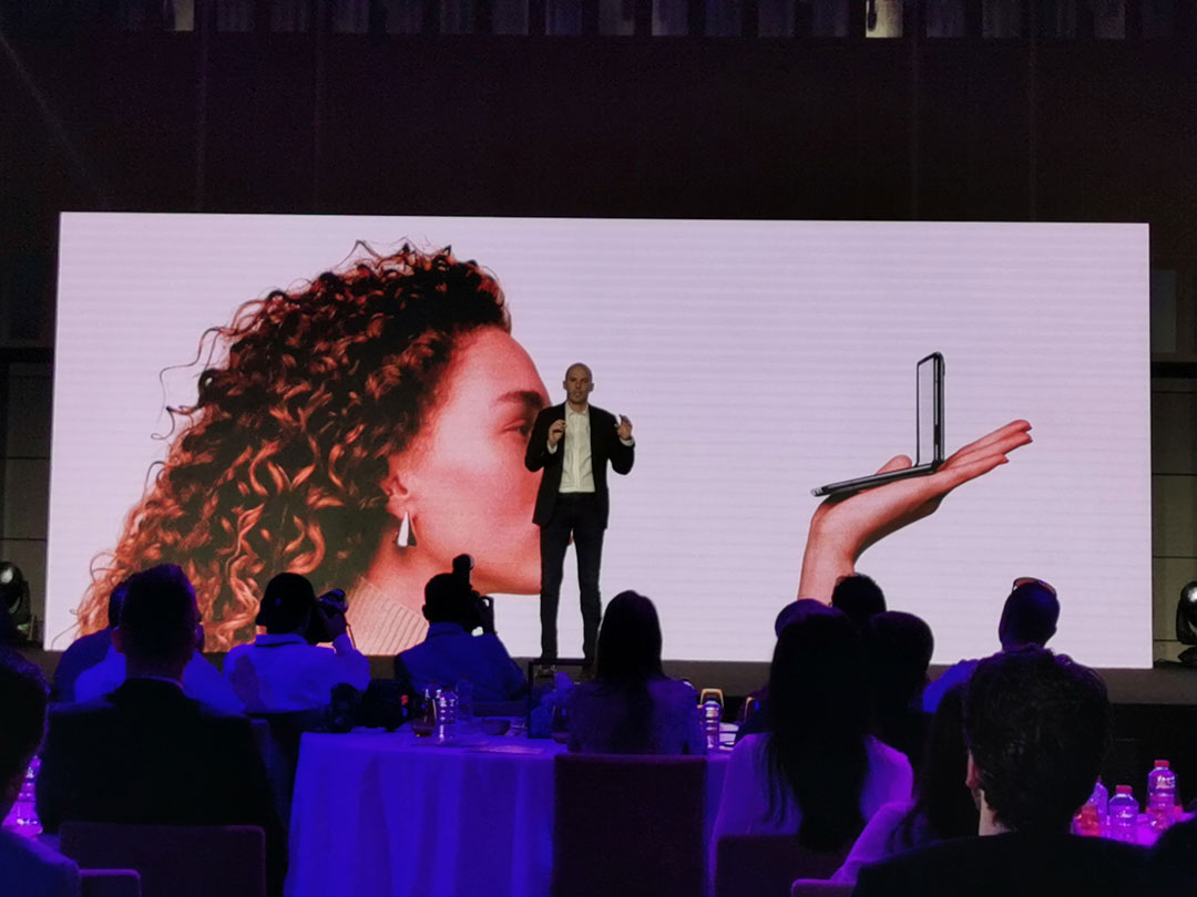 At-the-launch-Samsung-Galaxy-Z-Flip-Smartphones-Osman-Albora,-Talks-about-the-foldable-Glass-Display