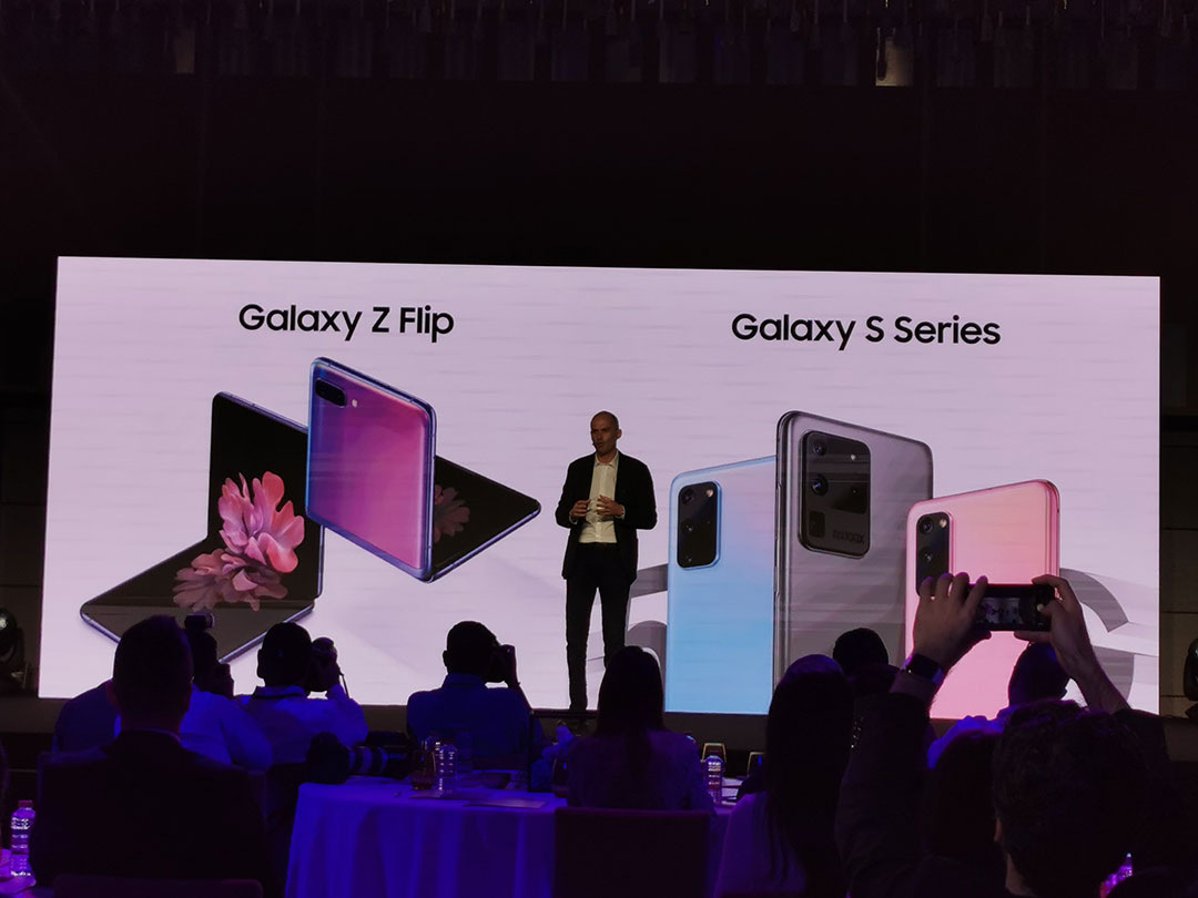 Osman-Albora-addresses-the-media-about-the-Samsung-Galaxy-S20-Series-and-Z-Flip-smartphones