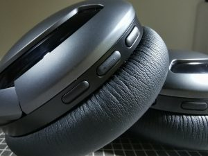 PlayGo-BH70 - Wireless Headphone- Control buttons on Right Ear Cup