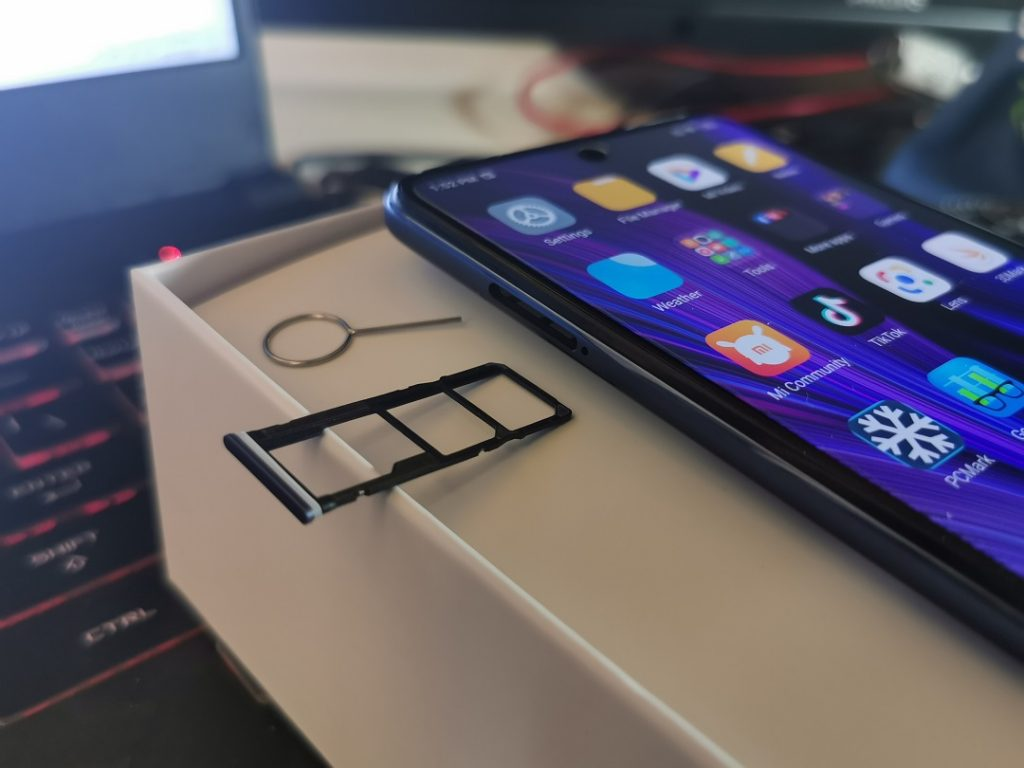 Xiaomi_Redmi_Note-9S -Dual SIM_CARD_Tray+microSD SLOT