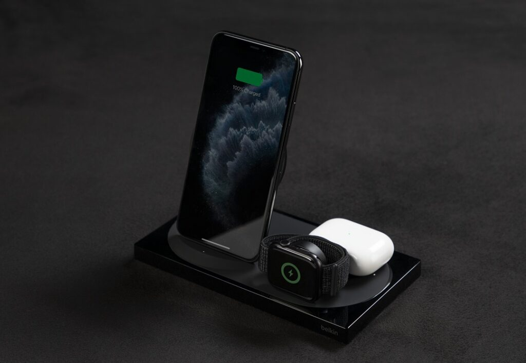 BOOSTCHARGE 2-in-1 Wireless Charger