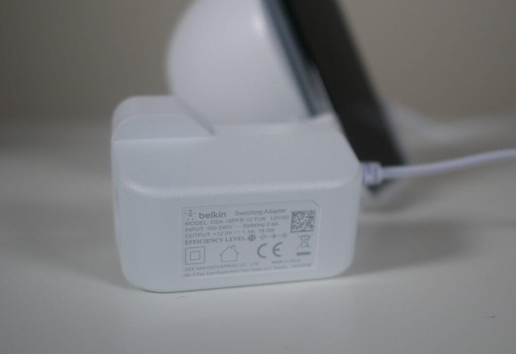 Belkin Wireless Charging Stand 10W & Speaker- Power Adapter