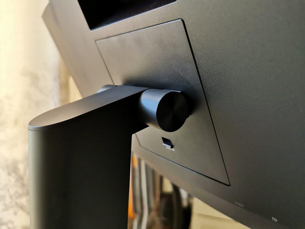 Lenovo ThinkVision T34W-20 Monitor- Tiltable & Swivel Stand
