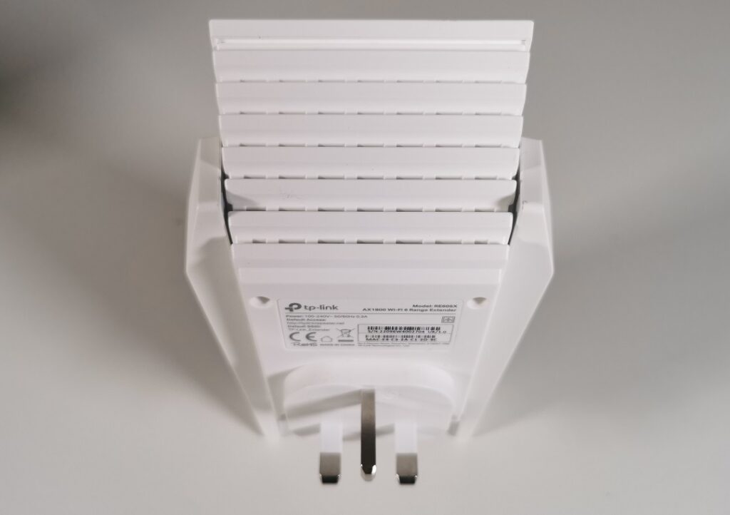 Tp-link AX1800 -Model_RE605X - Ventilated Body frame for coolling