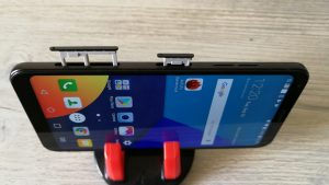 LGQ6-Two-trays-SIM-MicroSD