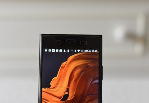 Sony Xperia XZ1 - Front camera with speaker on top and sensor
