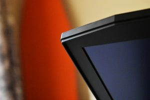 HP-OmenX-Futuristic-design-edge