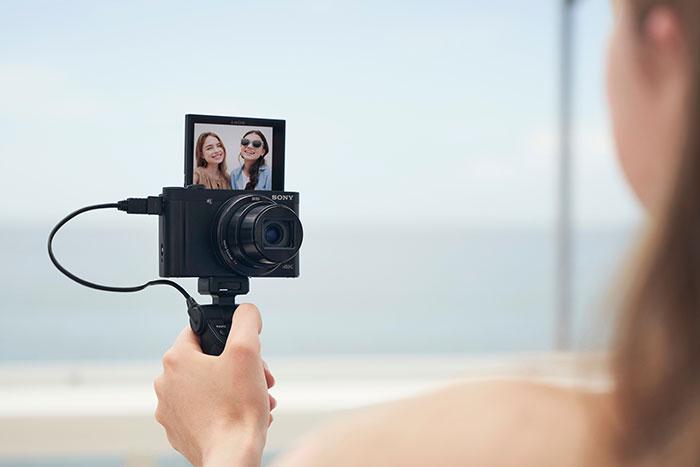 Sony_Cyber-shot®_DSC-HX99_&_DSC-WX800_with-180_degree_LCD-Monitor