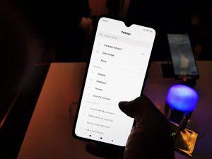 Xiaomi-Mi9-Phone-front-display