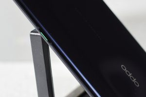 OPPO_Reno_Right-side-Power_button