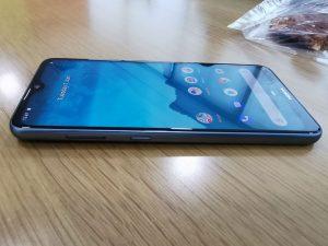Nokia-6.2_Smartphone-Left_view