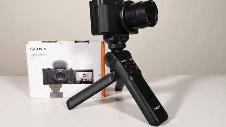 Review of Sony Vlog Camera ZV1 & Sony Bluetooth Wireless shooting grip GP-VPT2BT in the UAE