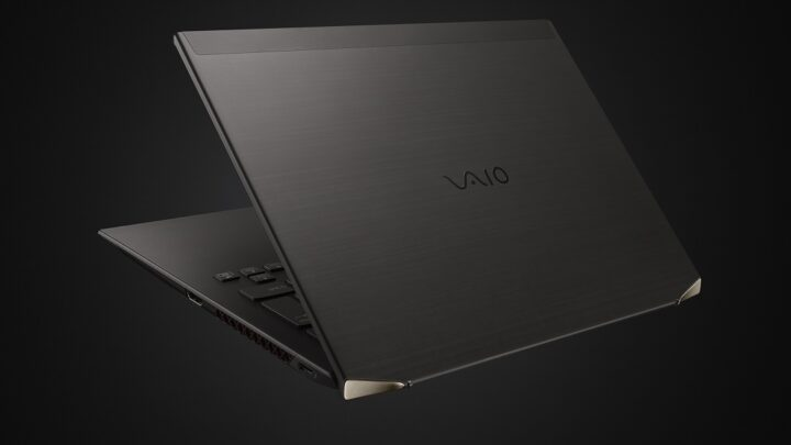 VAIO Build's The World's First  Contoured Carbon Fiber Laptop